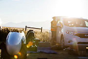 De VeloX 7 staat klaar voor de kwalificaties op maandagmorgen. Het Human Power Team Delft en Amsterdam, dat bestaat uit studenten van de TU Delft en de VU Amsterdam, is in Amerika om tijdens de World Human Powered Speed Challenge in Nevada een poging te doen het wereldrecord snelfietsen voor vrouwen te verbreken met de VeloX 7, een gestroomlijnde ligfiets. Het record is met 121,44 km/h sinds 2009 in handen van de Francaise Barbara Buatois. De Canadees Todd Reichert is de snelste man met 144,17 km/h sinds 2016.<br /> <br /> With the VeloX 7, a special recumbent bike, the Human Power Team Delft and Amsterdam, consisting of students of the TU Delft and the VU Amsterdam, wants to set a new woman's world record cycling in September at the World Human Powered Speed Challenge in Nevada. The current speed record is 121,44 km/h, set in 2009 by Barbara Buatois. The fastest man is Todd Reichert with 144,17 km/h.