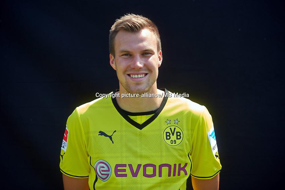 Borussia Dortmunds Kevin Großkreutz, aufgenommen am 09.07.2013 auf dem BVB-Trainingsgelände in Dortmund (Nordrhein-Westfalen) während des offiziellen Fototermins für die Saison 2013/2014. Foto: Bernd Thissen/dpa