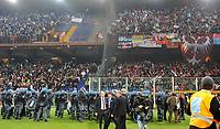 I disordini dei tifosi serbi<br /> Italia Serbia - Qualificazioni Euro 2012<br /> Stadio Luigi Ferraris di Marassi, Genova, 12/10/2010<br /> © Giorgio Perottino / Insidefoto