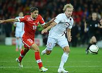 Fussball International  WM Qualifikation 2014   12.10.2012 Schweiz - Norwegen Alexander Toft Soederlund (re, Norwegen) gegen Ricardo RODRIGUEZ (Schweiz)