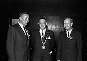 10/11/1964<br /> 11/10/1964<br /> 10 November 1964<br /> <br /> Mr. A. Madden, Mr. P.J. Cleary, President of the R.G.D.A.T.A., and Mr L. Shorten
