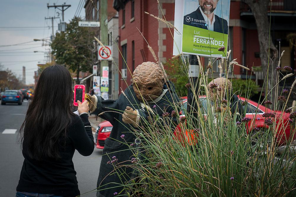 HORS LES MURS, COMPAGNIE HOUDART-HEUCLIN, LES PADOX, Avenue du Parc<br /> Samedi 19 octobre et Dimanche 20 octobre 2013