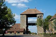 Naturpark Pfälzerwald, Deutsche Weinstraße ..Das Deutsche Weintor in Schweigen-Rechtenbach ist der Anfang der Deutschen Weinstraße