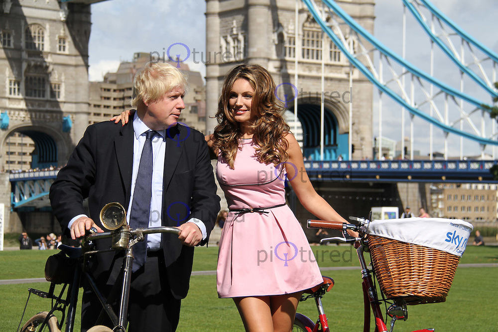 The Mayor of London Boris Johnson & Kelly Brook launch Sky Ride, Potters Field Park, London, UK, 25 August 2011:  Contact: Rich@Piqtured.com +44(0)7941 079620 (Picture by Richard Goldschmidt)