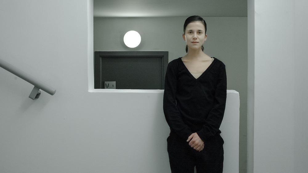 La danseuse Colombe Hays, quelques minutes avant la représentation du tryptique « Slave » dirigé par David Llari au Ballet National de Marseille.