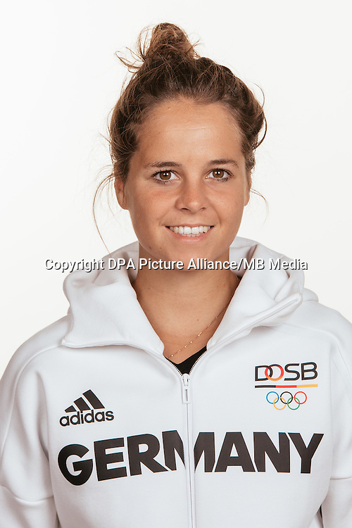 Pia- Sophie Oldhafer poses at a photocall during the preparations for the Olympic Games in Rio at the Emmich Cambrai Barracks in Hanover, Germany, taken on 15/07/16 | usage worldwide
