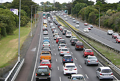 Auckland-Traffic backs up as the holidayers head south