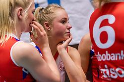 06-05-2017 NED: Finale play off Sliedrecht Sport - VC Sneek, Sliedrecht<br /> Sliedrecht is Nederlands kampioen 2016-2017 / Janieke Popma #2 of Sneek