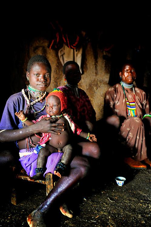 Ethiopia, Gilgel Beles, Jimteha, child, mother Gumuz, Gilgel, Blese, valley, Africa, Ethiopia, Sudan border Beles