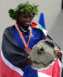 03-11-2013 ATLETIEK: NY MARATHON: NEW YORK <br /> De winnaar op de NY marathon Geoffrey Mutai <br /> ©2013-FotoHoogendoorn.nl
