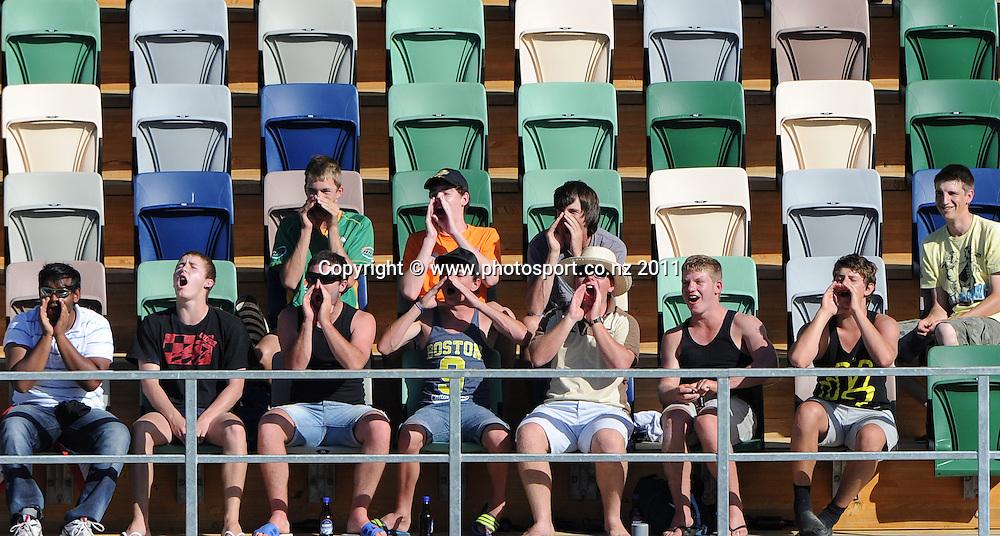 Fans on day 1 of the first cricket test, New Zealand v Zimbabwe at McLean Park. Thursday 26 January 2012. Napier, New Zealand. Photo: Andrew Cornaga/Photosport.co.nz