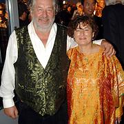 NLD/Rotterdam/20060923 - Premiere Willeke Alberti tour `Goud `, Chiem van Houweningen en partner Marina de Vos