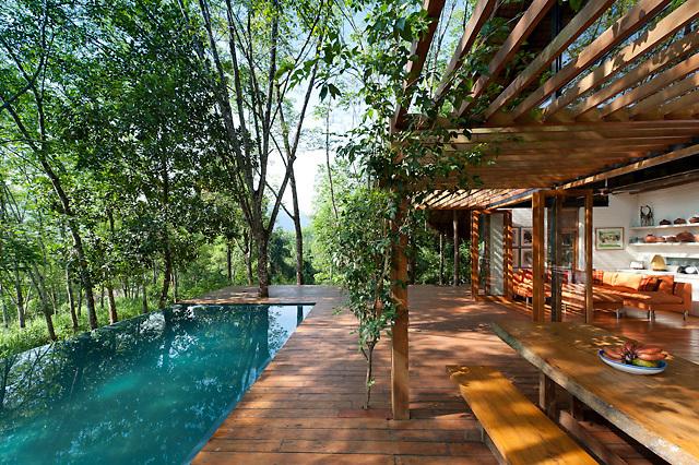 Guava House, Sri Lanka<br /> <br /> Architect - Ranjan Aluwihare<br /> <br /> http://www.ra-designs.lk/