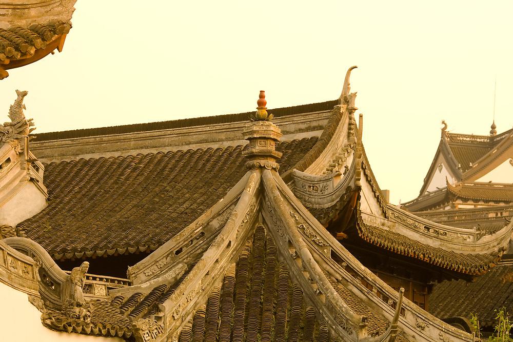 Detail of roofs at Yuyuan Gardens (Yu Garden), Shanghai, China, Asia