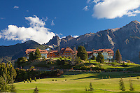 HOTEL LLAO LLAO Y SU CANCHA DE GOLF, BARILOCHE, PROVINCIA DE RIO NEGRO, ARGENTINA (PHOTO © MARCO GUOLI - ALL RIGHTS RESERVED)
