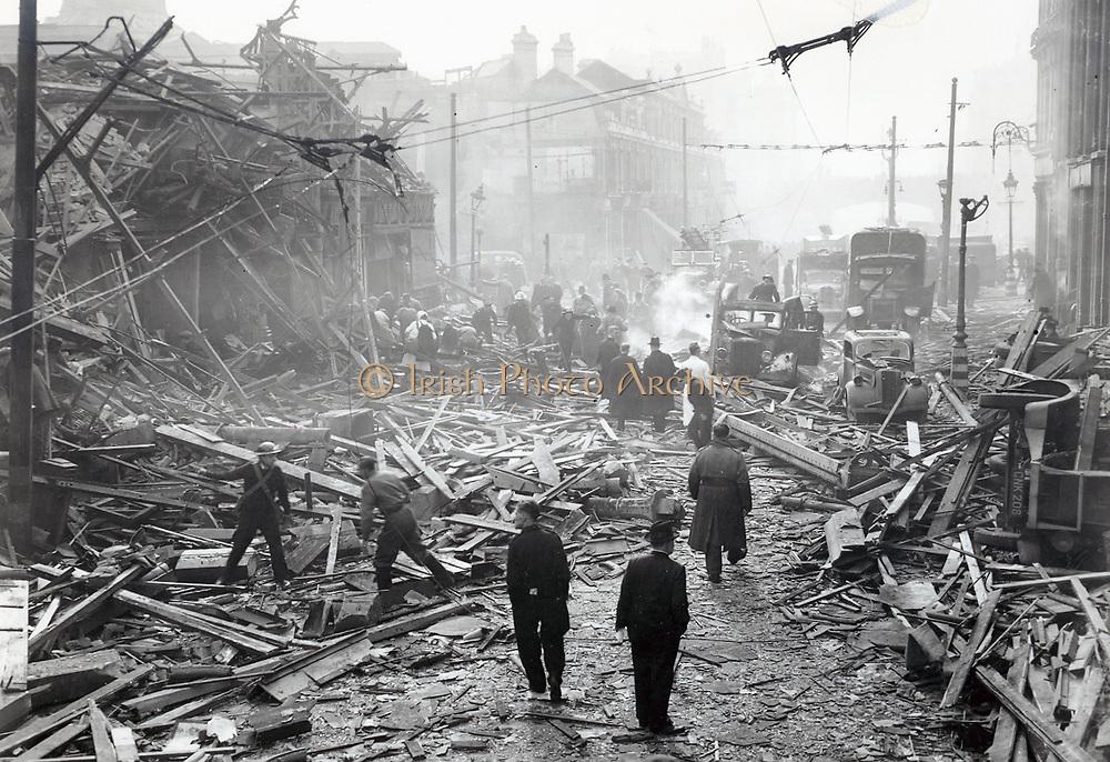 V2 rocket damage.  Farringdon Road, 8th March 1945