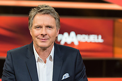 "16.02.2016, Huerth, GER, Settermin, Paarduell, im Bild Moderator Joerg Pilawa // during a photocall for the German TV-Show ""Paarduell"" in Huerth, Germany on 2016/02/16. EXPA Pictures © 2016, PhotoCredit: EXPA/ Eibner-Pressefoto/ Schueler<br /> <br /> *****ATTENTION - OUT of GER*****"