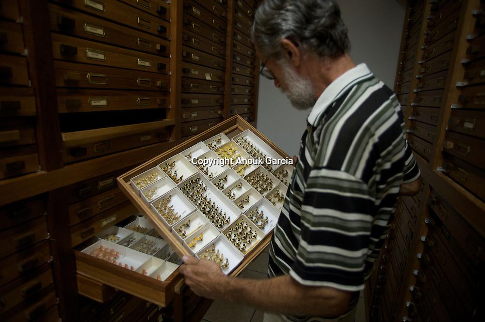 La plus grande collection de papillons de nuit d'ame?rique du sud. Plus de 240 000 spe?cimens.