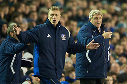 LIVERPOOL, ENGLAND - Wednesday, January 27, 2010: Everton's manager David Moyes and Sunderland's manager Steve Bruce during the Premiership match at Goodison Park. (Photo by: David Rawcliffe/Propaganda)