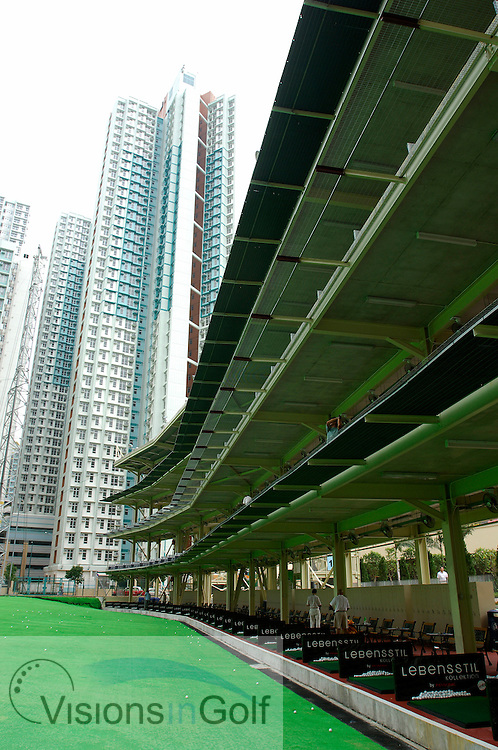 25 August 2005. Island Golf Club, Hong Kong. The 112-bay driving range is situated among a densely populated residential area on Hong Kong Island<br /> Mandatory credit: Richard Castka / visionsingolf.com