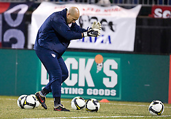 United States goalkeeper Tim Howard (1) warms up before the Mexico game.  The United States men's soccer team defeated the Mexican national team 2-0 in CONCACAF final group qualifying for the 2010 World Cup at Columbus Crew Stadium in Columbus, Ohio on February 11, 2009.
