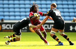Marland Yarde of Harlequins is tackled - Mandatory by-line: Robbie Stephenson/JMP - 17/09/2017 - RUGBY - Ricoh Arena - Coventry, England - Wasps v Harlequins - Aviva Premiership