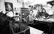 Napoli,1991-quartieri spagnoli, pelletteria-ph.isabella balena©