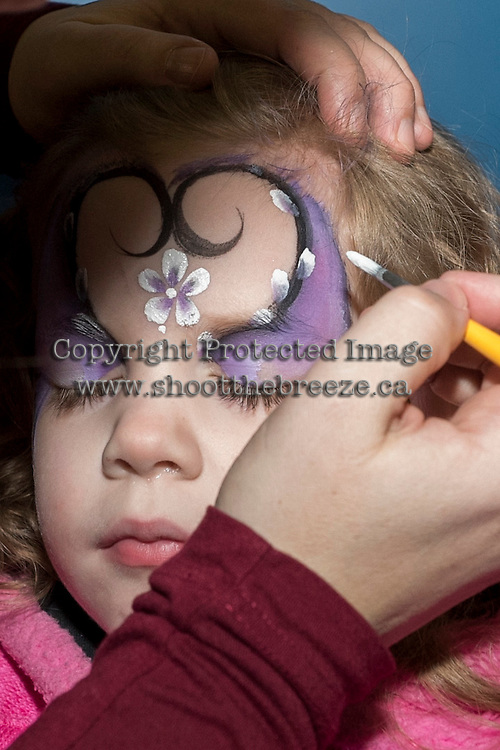KELOWNA, CANADA - FEBRUARY 13: Young fans show off their family day face paint on February 13, 2017 at Prospera Place in Kelowna, British Columbia, Canada.  (Photo by Marissa Baecker/Shoot the Breeze)  *** Local Caption ***