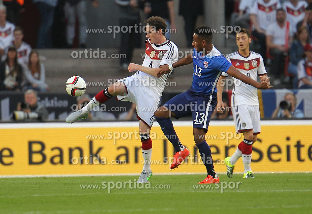 10.06.2015, RheinEnergie Stadion, Koeln, GER, FS Vorbereitung, Testspiel, Deutschland vs USA, im Bild Sebastian Rudy (Deutschland) - Juan Agudelo (USA) // during the international friendly football match between Germany and USA at the RheinEnergie Stadion in Koeln, Germany on 2015/06/10. EXPA Pictures &copy; 2015, PhotoCredit: EXPA/ Eibner-Pressefoto/ Roskaritz<br /> <br /> *****ATTENTION - OUT of GER*****