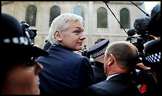WikiLeaks founder Julian Assange loses extradition