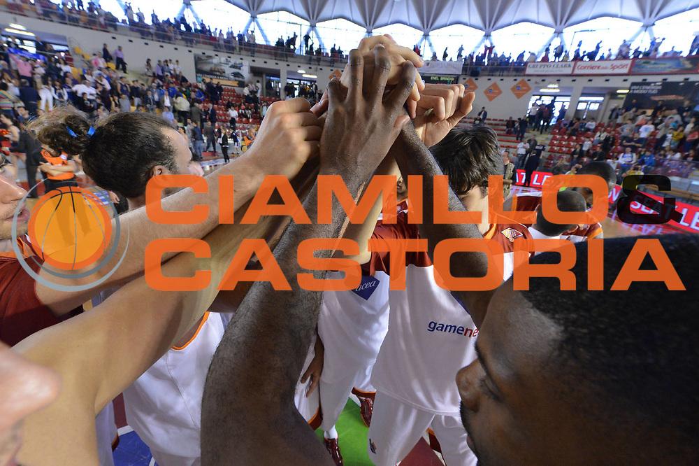 DESCRIZIONE : Roma Lega A 2012-2013 Acea Roma Enel Brindisi<br /> GIOCATORE : Team Acea Virtus Roma<br /> CATEGORIA : Postgame Mani<br /> SQUADRA : Acea Virtus Roma<br /> EVENTO : Campionato Lega A 2012-2013 <br /> GARA : Acea Roma Enel Brindisi<br /> DATA : 21/04/2013<br /> SPORT : Pallacanestro <br /> AUTORE : Agenzia Ciamillo-Castoria/GiulioCiamillo<br /> Galleria : Lega Basket A 2012-2013  <br /> Fotonotizia : Roma Lega A 2012-2013 Acea Roma Enel Brindisi<br /> Predefinita :