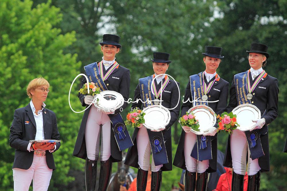 Prizegiving Juniors <br /> European Championship Junioren 2010<br /> © Hippo Foto - Leanjo de Koster