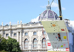 31.07.2015, Mariahilfer Straße, Wien, AUT, ISFC, Free Solo Masters MAHÜ, Vorqualifikation, im Bild Valentin Faber // during the prequalification of the ISFC Free Solo Masters MAHÜ at the Mariahilfer Straße in Vienna, Austria on 2015/07/31. EXPA Pictures © 2015, PhotoCredit: EXPA/ Sebastian Pucher