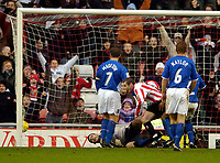 Fotball<br /> England 2004/2005<br /> Foto: SBI/Digitalsport<br /> NORWAY ONLY<br /> <br /> Sunderland v Ipswich<br /> Coca-Cola Championship, 21/11/2004<br /> <br /> Sunderland's Stephen Elliot wheels away in celebration after despatching the ball past Ipswich goalkeeper Kelvin Davis for his goal.