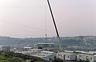 Village for refugees,   Givaat Amatos, Jerusalem  Israel     /// village de caravannes, accueil pour les nouveaux refugies russes et ethiopiens  Givaat Amatos, Jerusalem  Israel   /// R00287/    L004323  /  P0007172