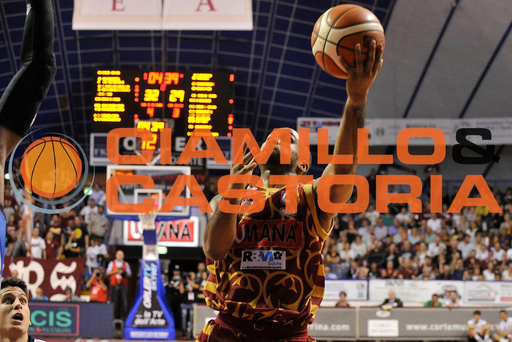 DESCRIZIONE : Venezia Campionato Lega A 2015-2016 9 Umana Reyer Venezia Betaland Capo d Orlando<br /> GIOCATORE : Phil Goss<br /> CATEGORIA : Tiro<br /> SQUADRA : Umana Reyer Venezia Betaland Capo d Orlando<br /> EVENTO : Campionato Lega A 2015-2016<br /> GARA : Umana Reyer Venezia Betaland Capo d Orlando<br /> DATA : 11/10/2015<br /> SPORT : Pallacanestro<br /> AUTORE : Agenzia Ciamillo-Castoria/M.Gregolin<br /> Galleria : Lega Basket A 2015-2016<br /> Fotonotizia :   Venezia Campionato Lega A 2015-2016 9 Umana Reyer Venezia Betaland Capo d Orlando<br /> Predefinita :
