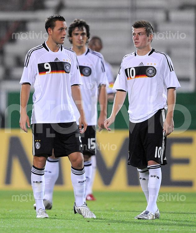 U21 Fussball Nationalmannschaft :  Saison   2009/2010   08.09.2009 Deutschland - Tschechien , Tschechei , Tschechische Republik , GER - CZE ,  v. li., Julian Schieber , Mats Hummels , Toni Kroos (GER)