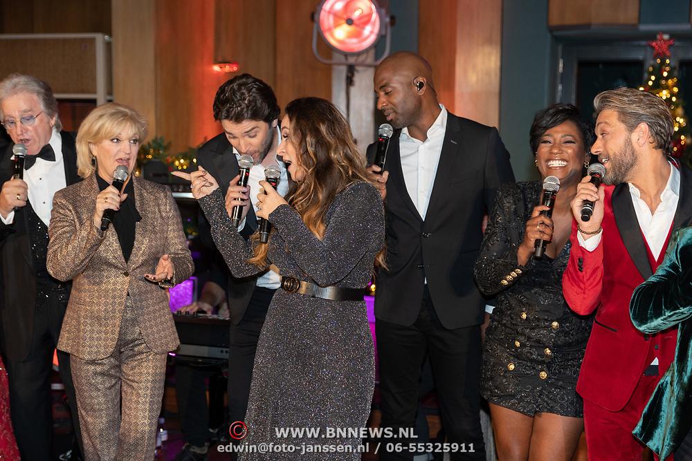 NLD/Hilversum/20181002 - Artiesten Holland zingt Kerst 2018, Karin Bloemen, Lee Towers, Dwight Dissel en Edsilia Rombley, Tommie Christiaan