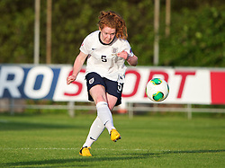 LLANELLI, WALES - Monday, August 19, 2013: England's Aoife Mannion in action against France during the Group A match of the UEFA Women's Under-19 Championship Wales 2013 tournament at Stebonheath Park. (Pic by David Rawcliffe/Propaganda)