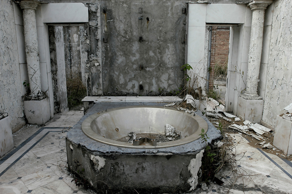 The private bathroom of the Eagle's Nest Palace, one of three extravagant residences built by the former ruler of Zaire Mobutu Sese Seko in and around his native village of Gbadolite in Equateur province. The town and properties were looted by rebel forces during the country's civil war..Kawele, DR Congo. 18/03/2009..Photo © J.B. Russell
