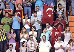 07-08-2005: VOLLEYBAL: WK KWALIFICATIE: NEDERLAND - TURKIJE: ANKARA TURKIJE<br /> <br /> <br /> <br /> ©2005-WWW.FOTOHOOGENDOORN.NL