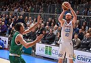 DESCRIZIONE : Cantu' campionato serie A 2013/14 Acqua Vitasnella Cantu' Montepaschi Siena<br /> GIOCATORE : Maarten Leunen<br /> CATEGORIA : tiro<br /> SQUADRA : Acqua Vitasnella Cantu'<br /> EVENTO : Campionato serie A 2013/14<br /> GARA : Acqua Vitasnella Cantu' Montepaschi Siena<br /> DATA : 24/11/2013<br /> SPORT : Pallacanestro <br /> AUTORE : Agenzia Ciamillo-Castoria/R.Morgano<br /> Galleria : Lega Basket A 2013-2014  <br /> Fotonotizia : Cantu' campionato serie A 2013/14 Acqua Vitasnella Cantu' Montepaschi Siena<br /> Predefinita :