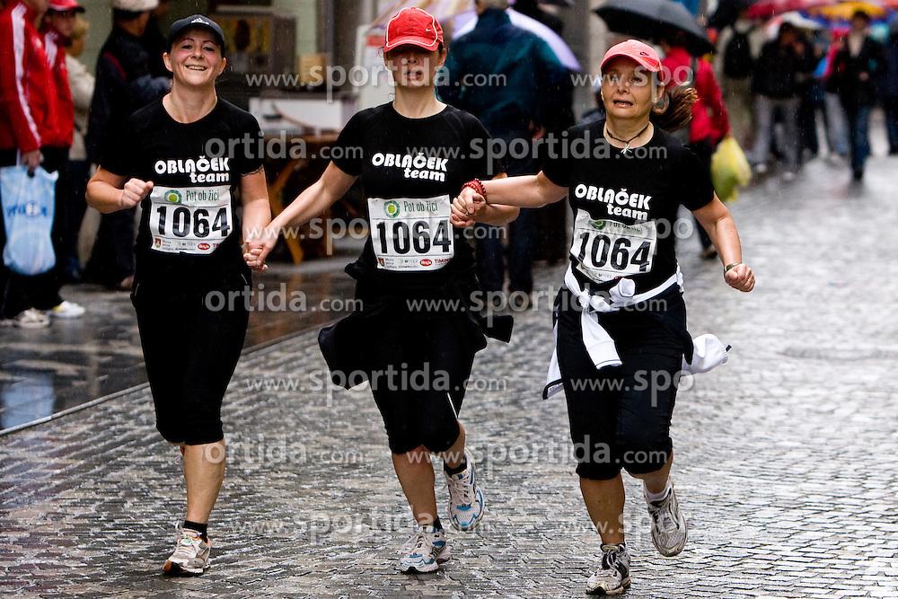 Tek trojk za clanske in veteranske kategorije na 12 in 28 kilometrov, on May 8, 2010, Mestni trg, Ljubljana, Slovenia. (Photo by Vid Ponikvar / Sportida)