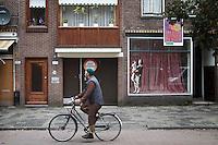 De Rotterdamse wijk Carnisse kent veel leegstand en een hoog percentage nieuwe migranten uit de MOE landen (Midden en Oost Europa). De stad probeert met het subsidieren van renovatie de buurt op te krikken.