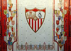 03-03-2007 VOETBAL: SEVILLA FC - BARCELONA: SEVILLA  <br /> Sevilla wint de topper met Barcelona met 2-1 / Stadion Ramon Sanchez Pizjuan - stadion van Sevilla FC<br /> &copy;2006-WWW.FOTOHOOGENDOORN.NL