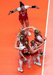 29-05-2019 NED: Volleyball Nations League Poland - Brazil, Apeldoorn<br /> Agnieszka KakolewskaC #5 of Poland, Natalia Medrzyk #16 of Poland, Paulina Maj-Erwardt #13 of Poland, Marlena Plesnierowicz #20 of Poland, Malwina Smarzek #17 of Poland