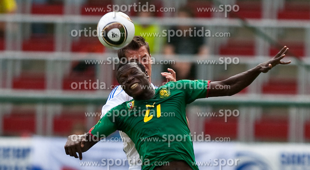 29.05.2010, Hypo Group Arena, Klagenfurt, AUT, FIFA Worldcup Vorbereitung, Kamerun vs Slowakei im Bild 27, ABOUBACAR Vincent, FW, Valenciennes, Kamerun, 04, Marek Cech, Nationalmannschaft Slowakei, EXPA Pictures © 2010, PhotoCredit: EXPA/ J. Feichter / SPORTIDA PHOTO AGENCY