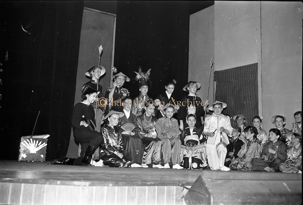 """30/03/1963<br /> 03/30/1963<br /> 30 March 1963<br /> Schools Drama Festival at The Gate Theatre, Dublin.<br /> Picture shows pupils of Scoil na nOg, Glanmire, Co. Cork, on stage after performing """"An Prionnsa a Goideadh""""."""