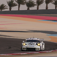 #92, Porsche 911 RSR, Porsche Team Manthey, driven by Patrick Pilet, Frederic Makowiecki, FIA WEC 6 Hours of Bahrain, 20/11/2015 (FP3)