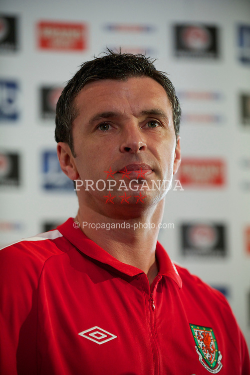 CARDIFF, WALES - Friday, March 25, 2011: Wales' manager Gary Speed MBE during a press conference at the Vale of Glamorgan ahead of the UEFA Euro 2012 qualifying Group G match against England. (Photo by David Rawcliffe/Propaganda)